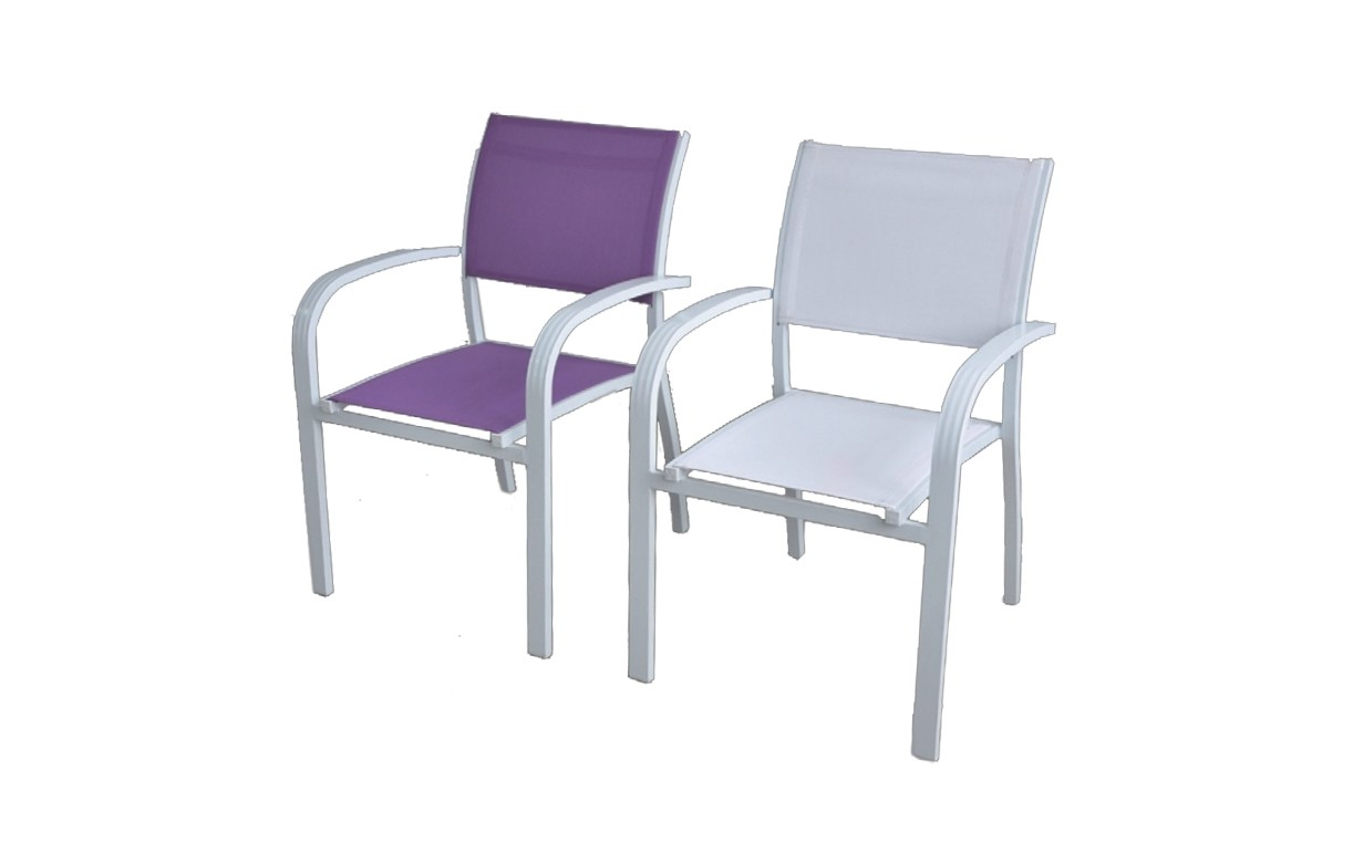 Table extensible et 6 chaises de jardin blanc et violet for Table 6 chaises but