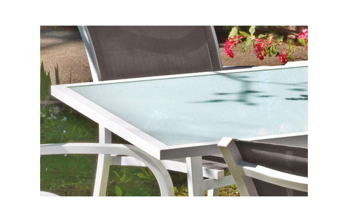 Table extensible d 39 ext rieur en verre et aluminium blanc for Table exterieur alu verre