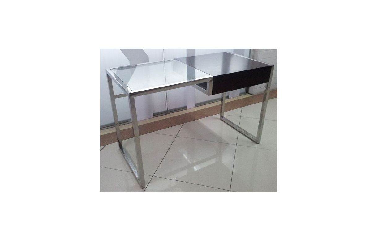 Bureau en verre transparent 28 images table basse en for Bureau verre