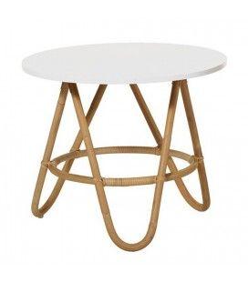 Table basse en rotin avec plateau blanc
