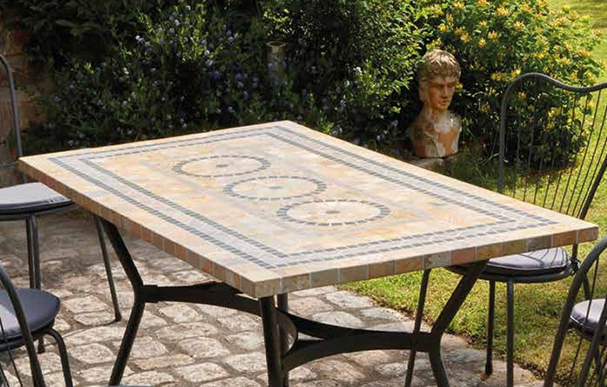 table de jardin mosaique en pierre 4 ou 6 chaises. Black Bedroom Furniture Sets. Home Design Ideas