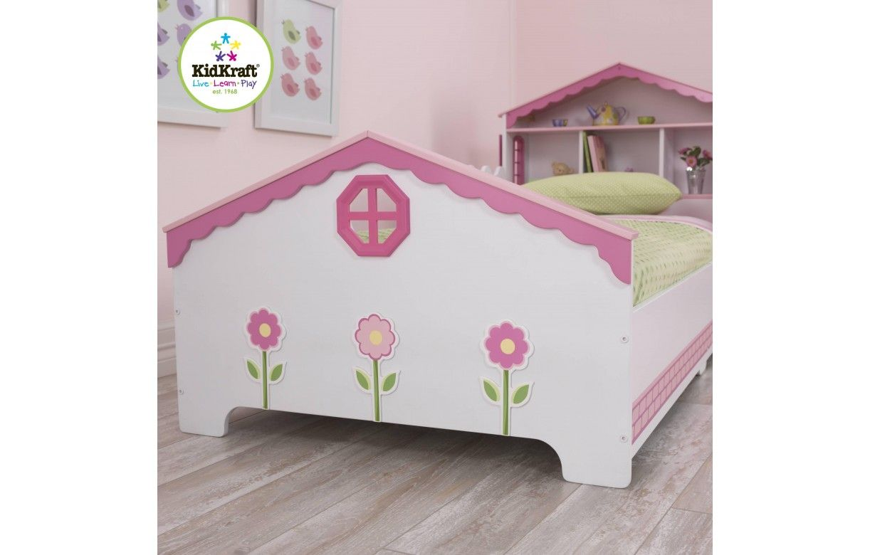awesome cheap simple finest lit petite fille rose maison de poupe with lit princesse kidkraft. Black Bedroom Furniture Sets. Home Design Ideas