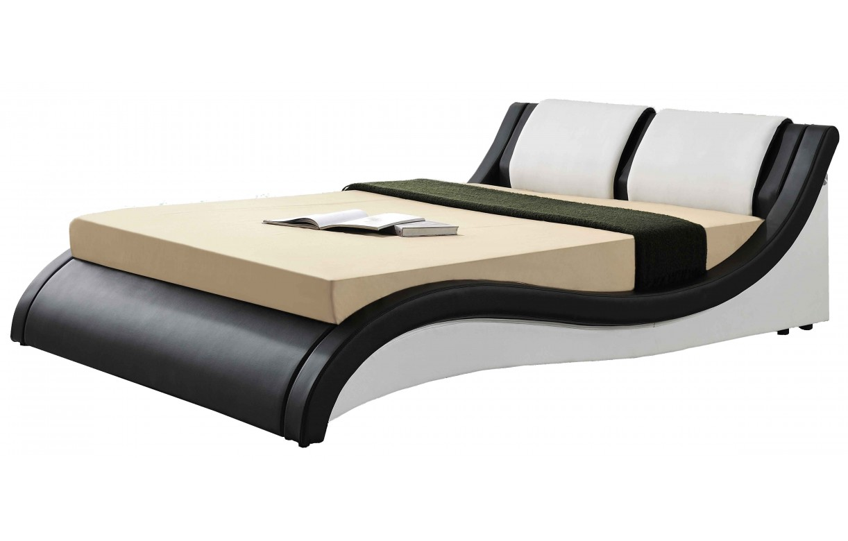 lit design italien 140 cm en simili cuir noir et blanc. Black Bedroom Furniture Sets. Home Design Ideas
