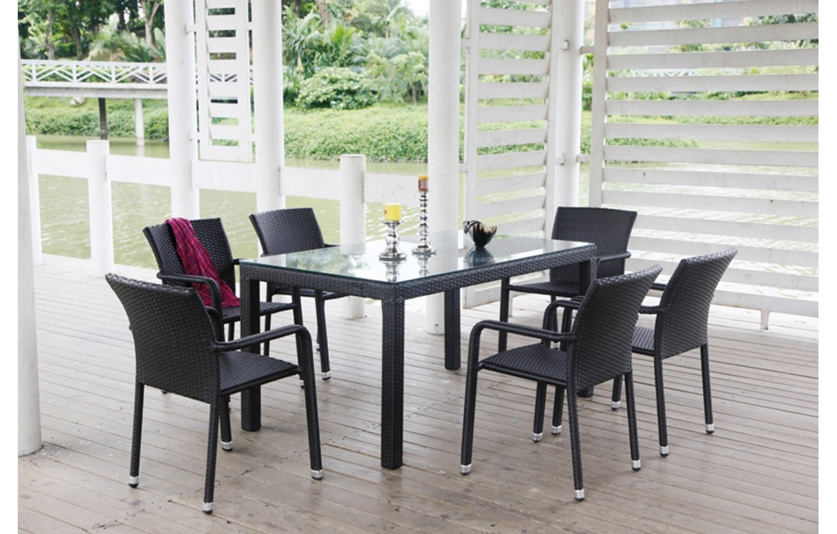 ensemble de repas de jardin en r sine tress e noir et plateau en verre. Black Bedroom Furniture Sets. Home Design Ideas