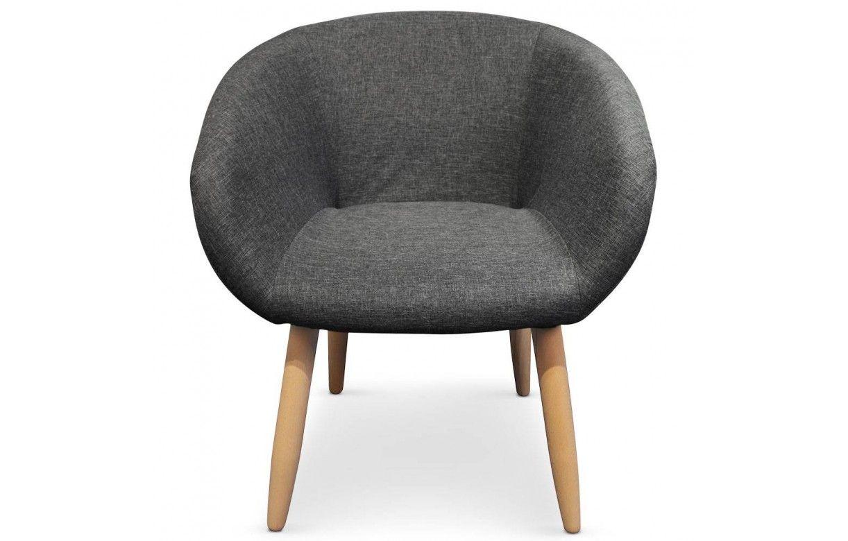 Fauteuil design style scandinave avec pieds en bois for Salle a manger avec fauteuil