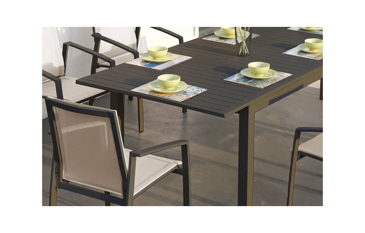 Ensemble repas ext rieur gris et beige en aluminium for Table d exterieur en aluminium