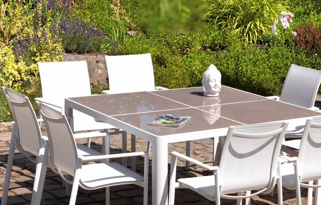 table et chaises de jardin taupe et blanc en aluminium et verre. Black Bedroom Furniture Sets. Home Design Ideas