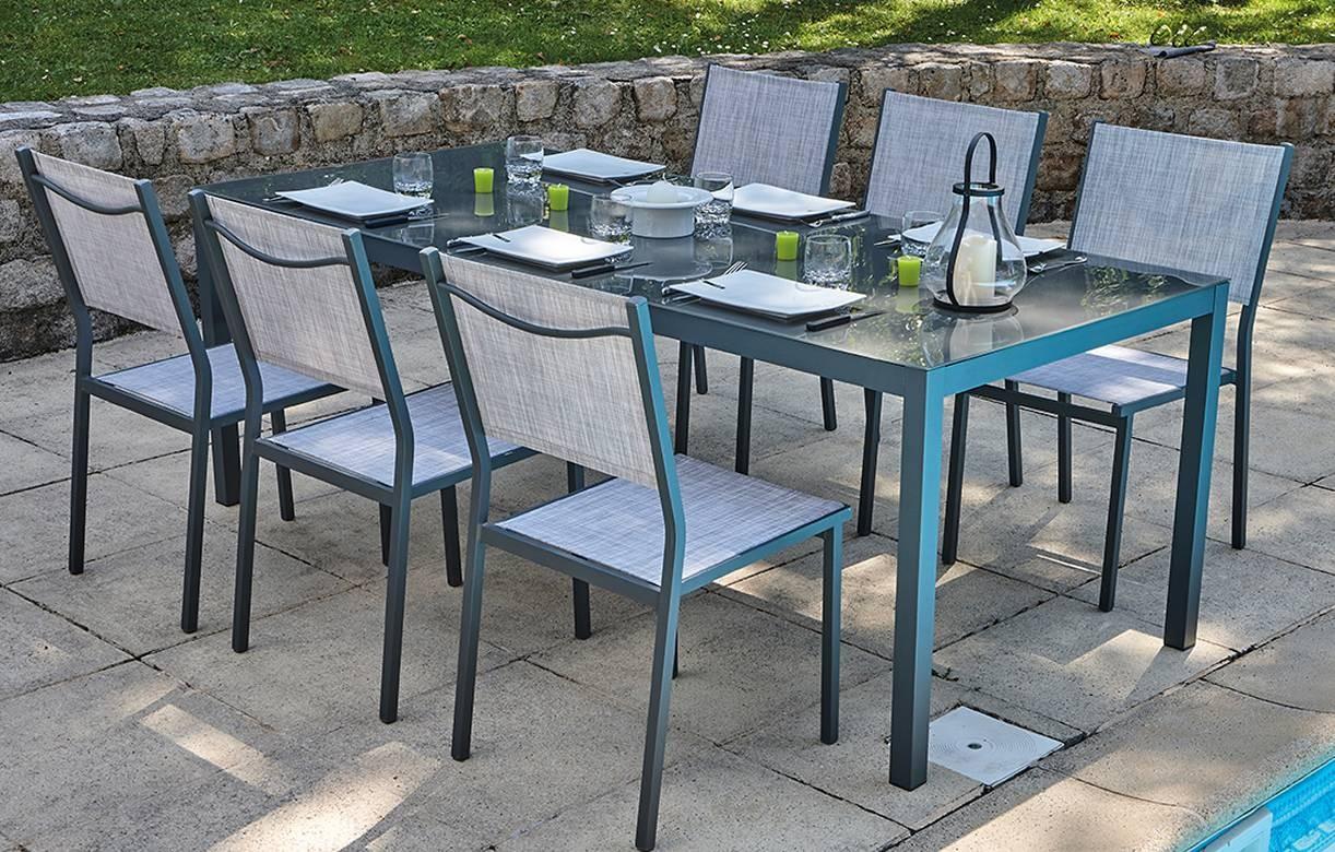 table de jardin grise en verre 6 chaises empilables. Black Bedroom Furniture Sets. Home Design Ideas