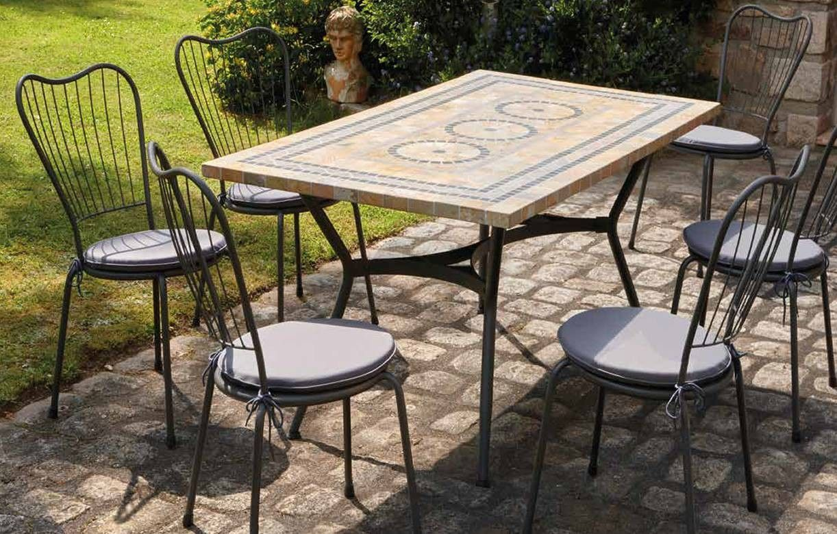 Table de jardin mosaique en pierre 4 ou 6 chaises for Table exterieur grise