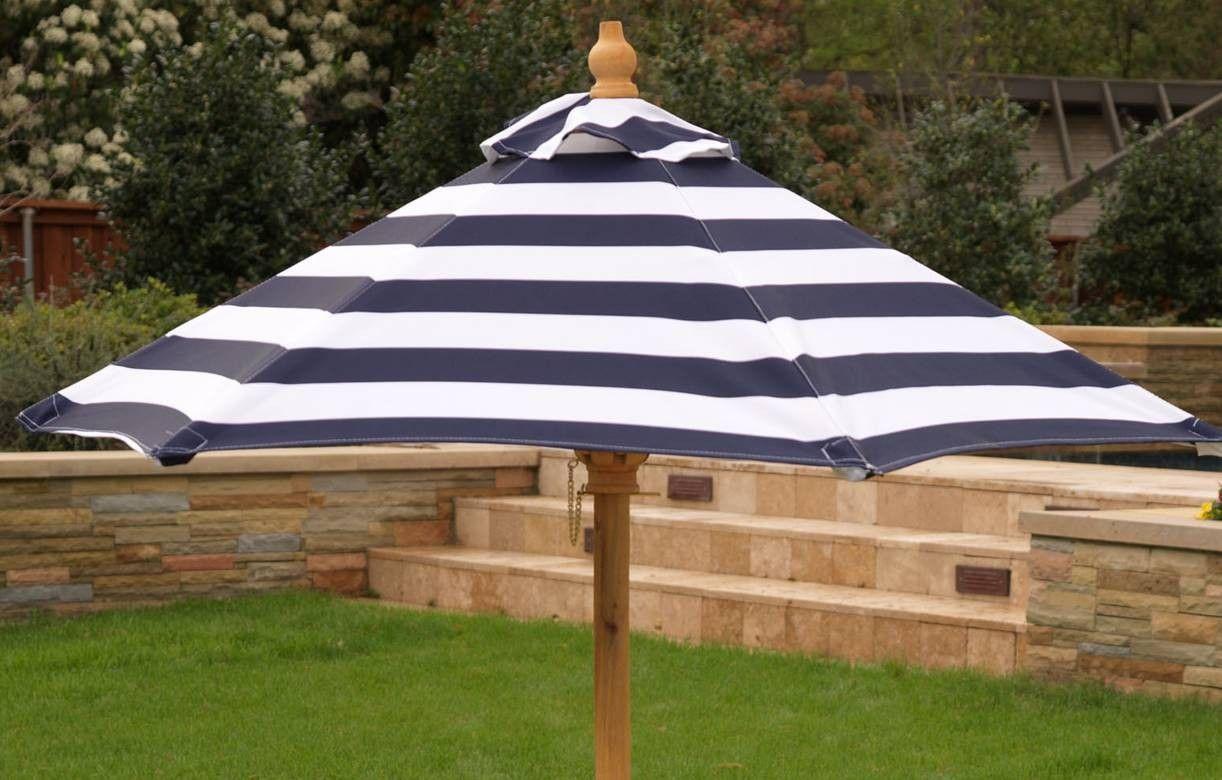 table de jardin enfants avec bancs et parasol kidkraft 00106. Black Bedroom Furniture Sets. Home Design Ideas