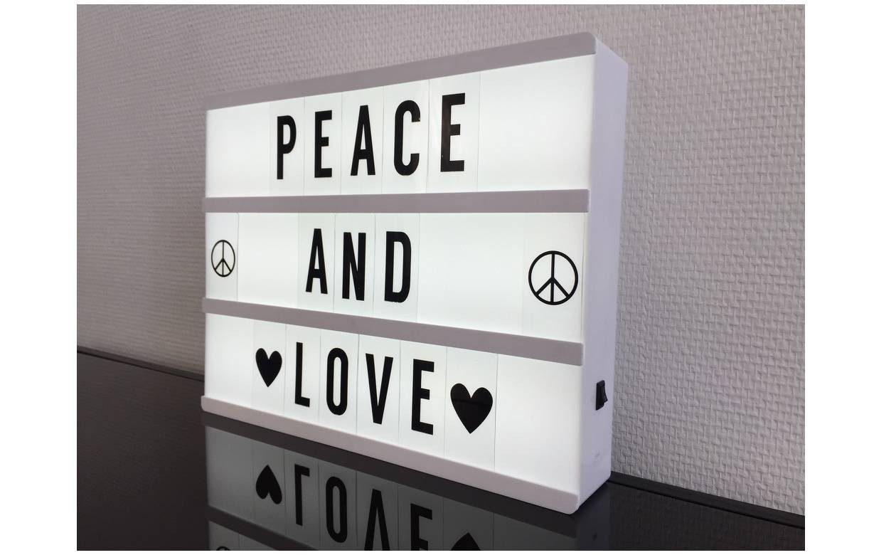 Bo te lumineuse murale message 100 lettres 4 coloris for Decoration murale love