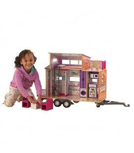 Maisonnette de poupées avec mécanisme d'attelage