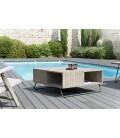 Grande table basse extérieur bois clair brut et pied métal