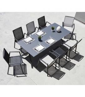 Grande table de jardin avec ses 8 fauteuils empilables PUNO
