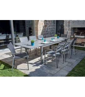 Ensemble de jardin avec table papillon et fauteuils empilables gris